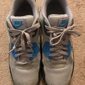 Good Used condition Nike AirMax 90's M8.5, F9?!